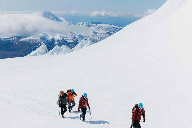 SAVE $50 Guided Premium Tongariro Alpine Crossing + Mt Ruapehu Crater Lake Hike