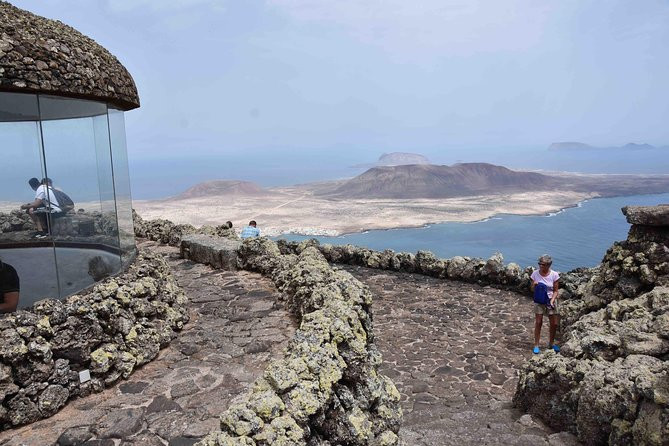 The northe of Lanzarote to the Mirador del rio and Jameos del Agua