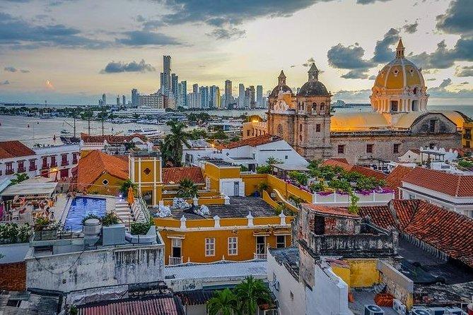Walk through the Old City of Cartagena