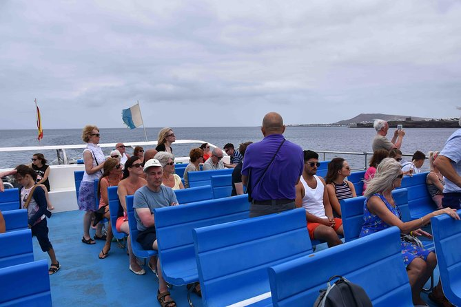 Full Day Lanzarote Tour with Water Bus and Manrique Foundation