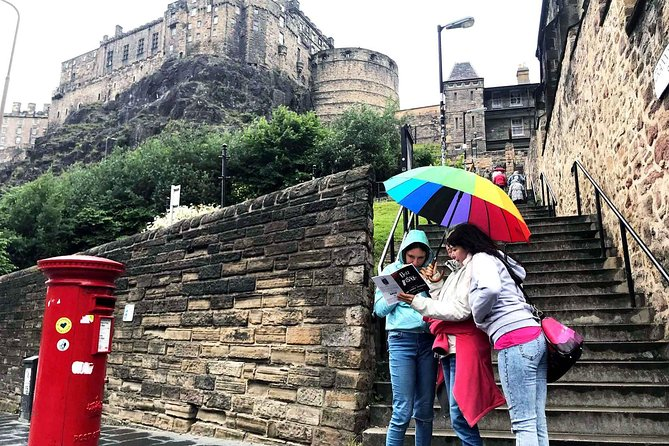 Track Game - Discover Edinburgh while having fun - Teen / Adult - French
