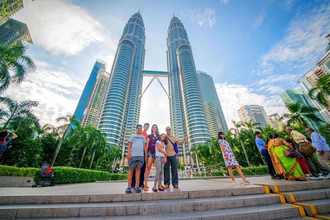 Skip the Line: Petronas Twin Tower Ticket & Short City Trip