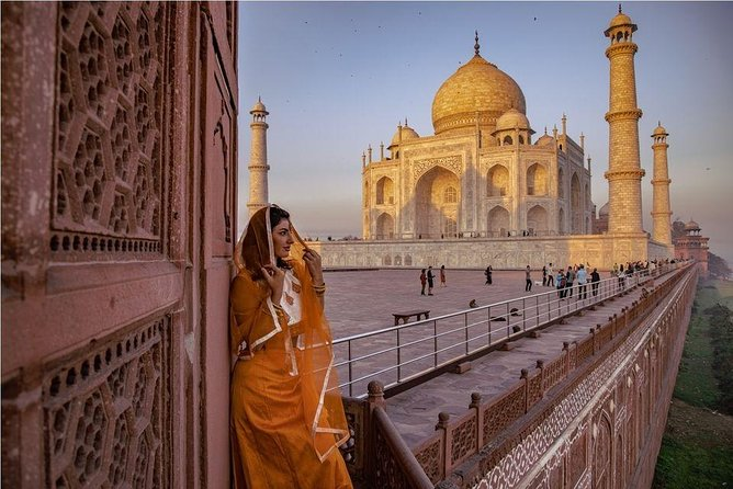 Overnight Taj Mahal & Agra City Tour from Delhi