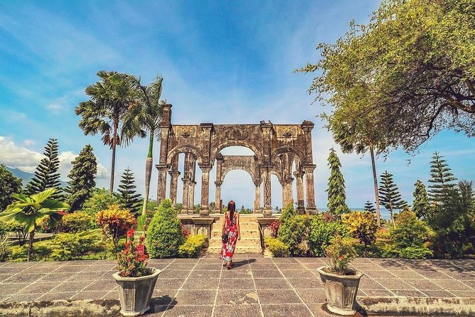 East Bali Cultural Tour with Taman Ujung Water Palace and Virgin Beach