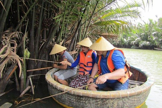 Hoi An Basket Boat Tour ( basket boat, visit water coconut forest, fishing crab)