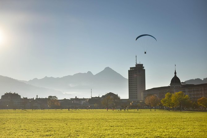 Private Trip From Geneva to the Swiss Capital - Bern & Paragliding in Interlaken