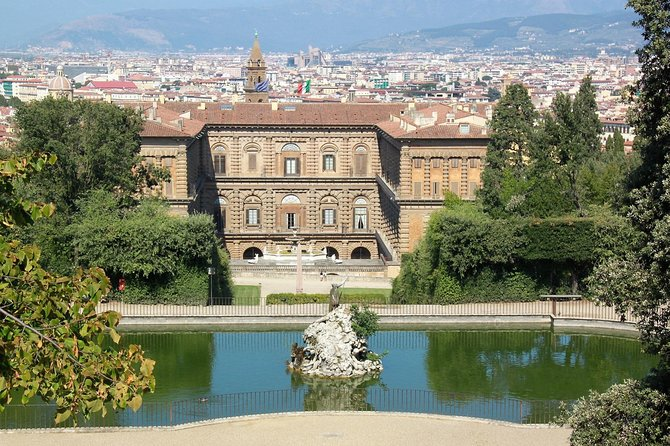 Medici Palaces Private Tour