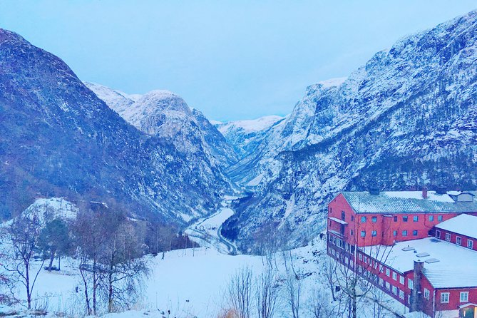 PRIVATE GUIDED TOUR: Highlights of Norway – Trip to the Sognefjord – WINTER