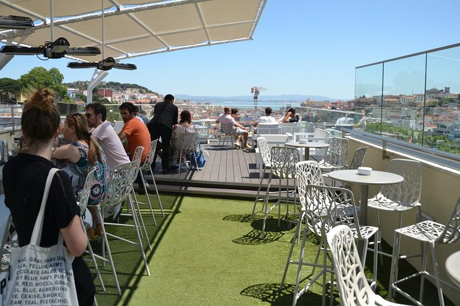 Gamified Discovery Walk in Lisbon: Riddles & Rooftops