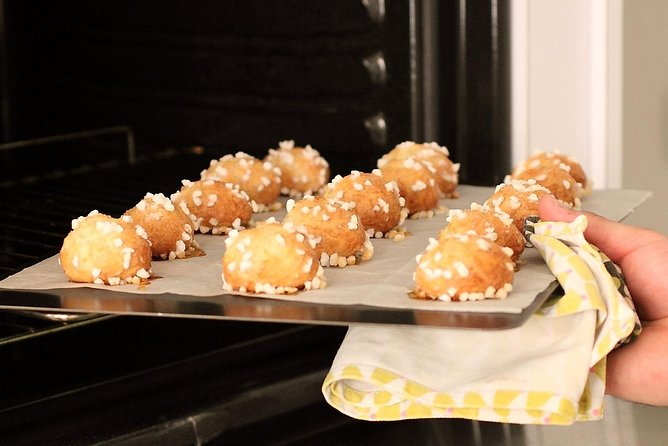 Ohlala Choux and Chouquettes pastry class in Paris