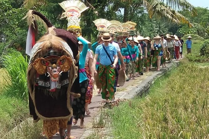 Real Bali Experience in Traditional Village with Lunch (Min 2 Person)