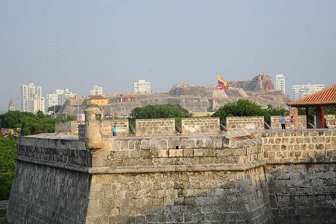 Baluartes and ramparts tour in Cartagena