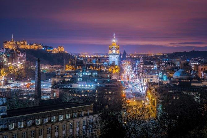Explorers walking tour of Edinburgh