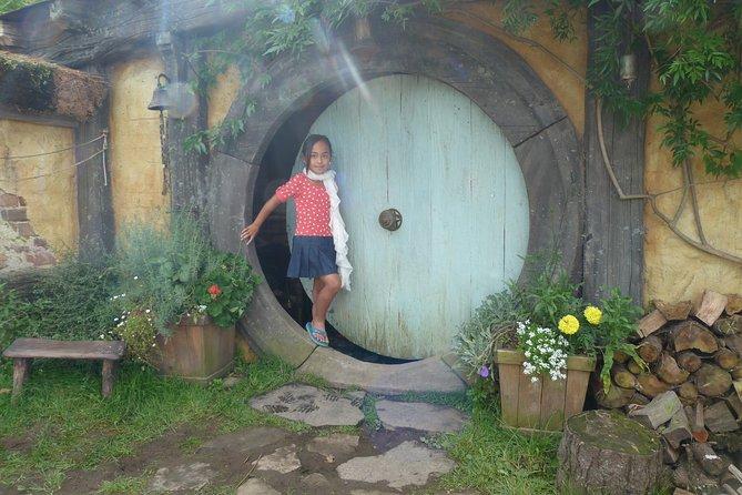 Hobbiton Tour ( Max 11 Passengers)