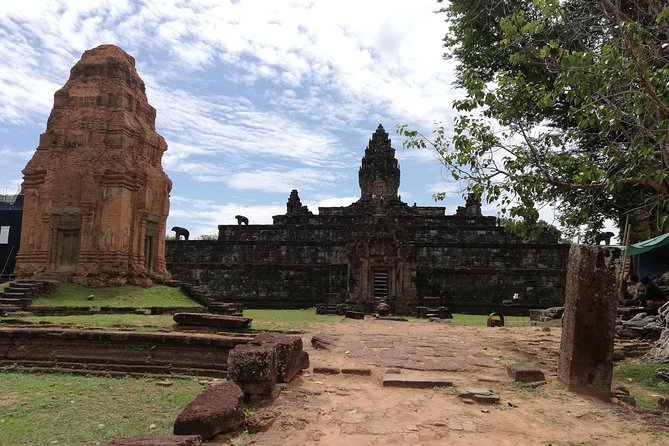 Rolous Group Temples and Sunset Tour