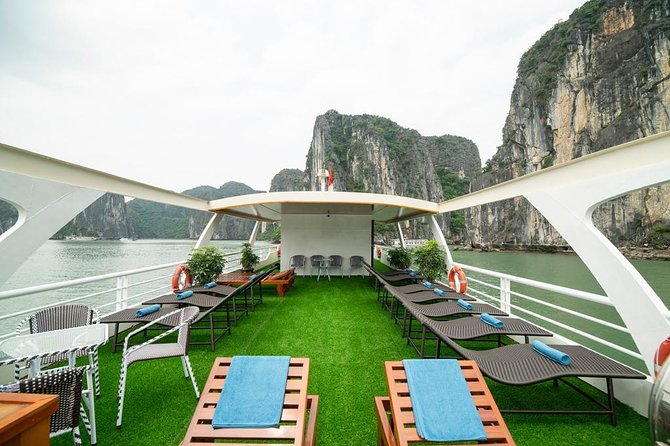 Lan Ha Bay & Ha Long Bay Cruise Day Tour: Kayaking, Swimming & Lunch