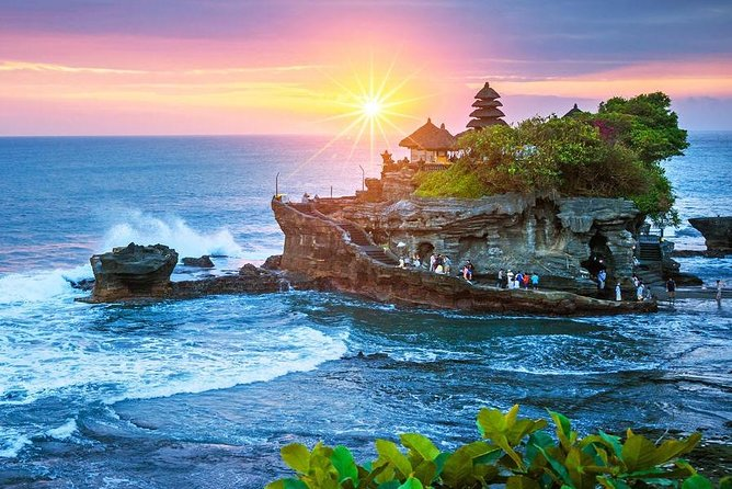 Private Tour : Ubud Highlights and Tanah Lot Temple Tour All-Inclusive