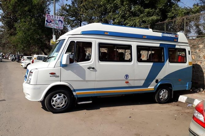 Private arrival transfer from Jaipur airport to hotel in Jaipur