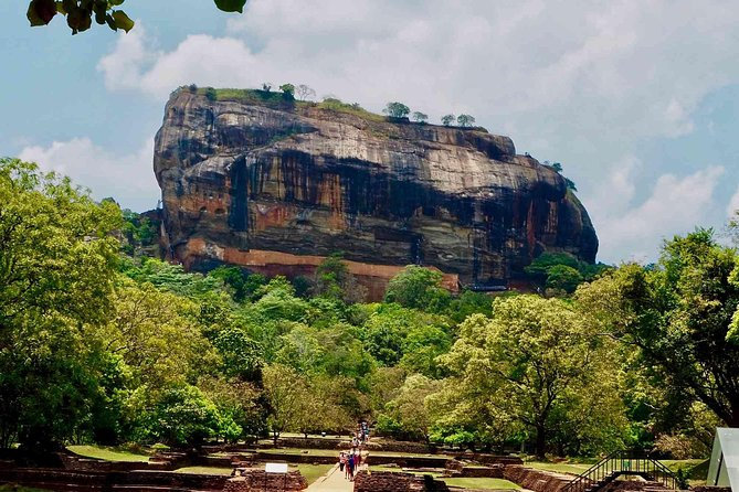 Tour to Dambulla Cave Temple and Sigiriya photo 4