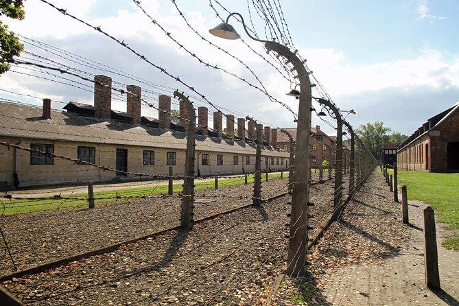 Excursão de dia inteiro a Auschwitz e Birkenau saindo de Cracóvia com traslado privado