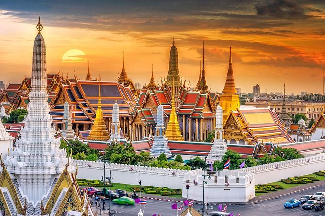 Enjoy Grand Palace with Pho Temple and Traimit Temple - Thailand