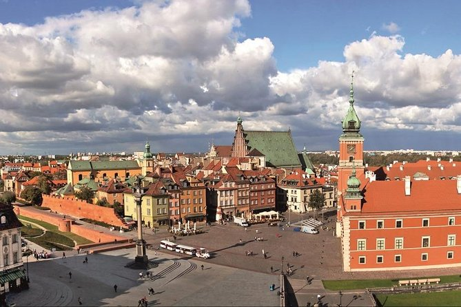 Walk through the Warsaw Old and New Town: like Phoenix from the ashes