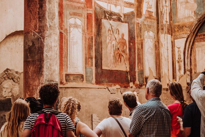 Explore Naples, Pompeii and Amalfi - Multi day tour photo 3
