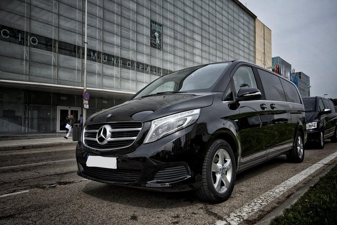 Departure Private Transfer Avignon City to Avignon Airport AVN by Luxury Van