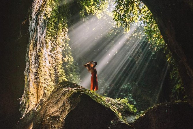 Bali Instagram Tour; Gate of Heaven, Swing & Waterfall Highlight