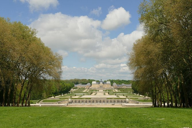 Fontainebleau & Vaux-le-Vicomte Trip with Local Guide & Private Transportation photo 2