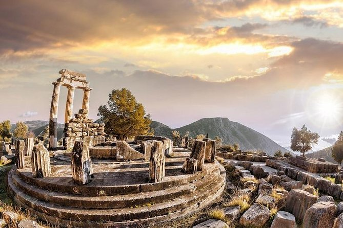 """Delphi, Trip to the """"Center of the Ancient World"""" from Athens"""