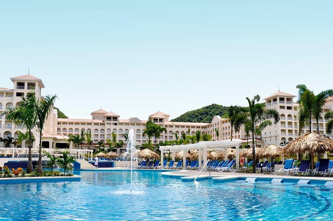 Private Transfer From Liberia Airport To Riu Guanacaste or Riu Palace photo 2