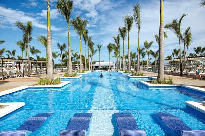 Transfer Service From Liberia Airport To Riu Palace & Riu Guanacaste Costa Rica