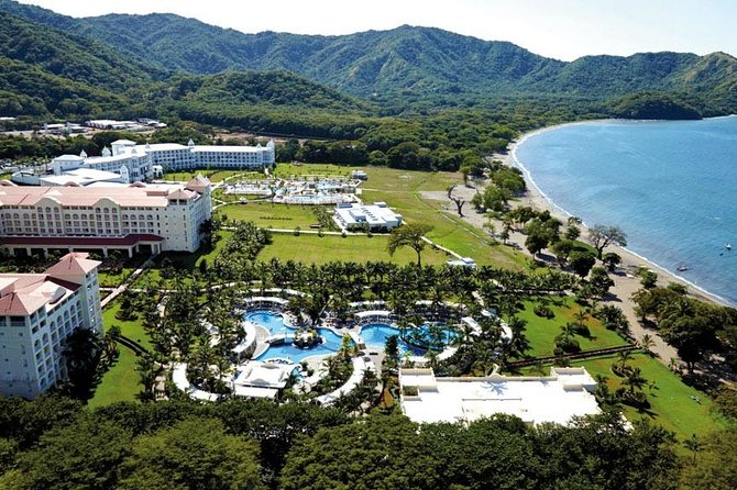 Transfer Service From Liberia Airport To Riu Palace and Riu Guanacaste