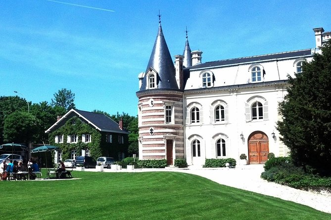 Private tour to Loire Castles from Paris. Best offer!