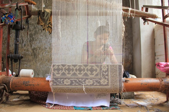Knots of Compassion - Full Day Handicraft Indulgence Tour From Jaipur