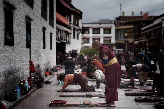 Lhasa and Ganden Monastery 5 Days Tour