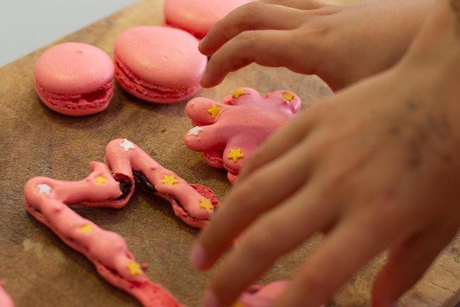 Macaron making class for kids in Paris