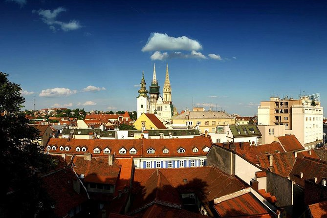 Panoramic tours Zagreb with a van.