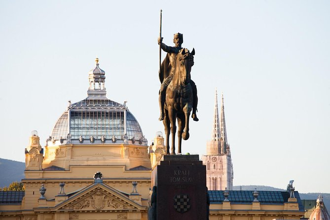 Private transfer Zagreb to Venice with 2 sightseeing stops