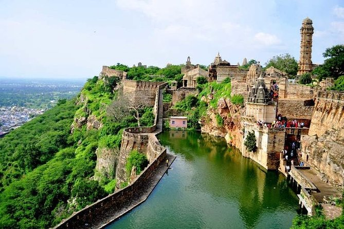 One Way Transfer From Jaipur To Chittorgarh Fort in AC Vehicle