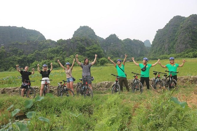 Luxury Trang An- Hoa Lư- Local Family-Cycling -Cooking Class -Limousine Transfer photo 13