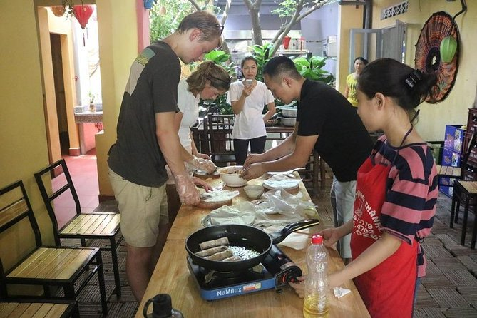 Luxury Trang An- Hoa Lư- Local Family-Cycling -Cooking Class -Limousine Transfer photo 11