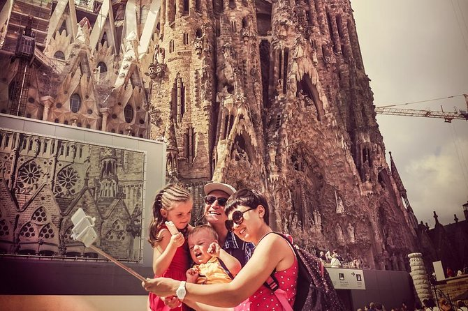Sagrada Familia & Gaudí Private Tour - Skip the Line Tickets