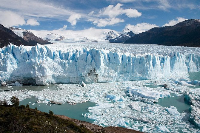 El Calafate Glaciers Sightseeing Cruise photo 1