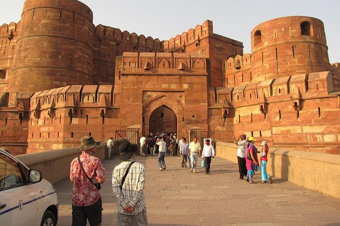 3 Nights 4 Days Golden Triangle Tour (Delhi - Agra - Jaipur )