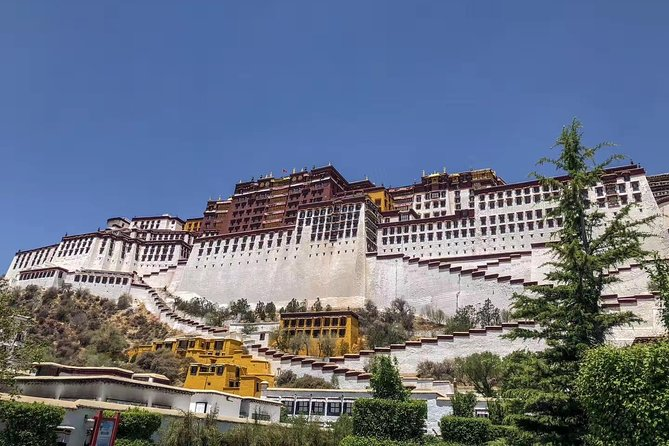 Small-Group 5-Night Lhasa Tour: Train from Beijing photo 2