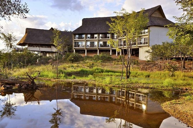3 Days / 2 Nights Victoria Falls Safari Club Package
