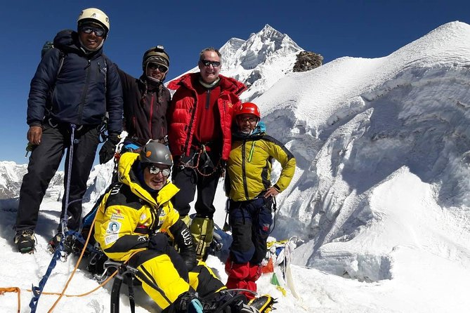 Lobuche Peak Climbing For 21 Days