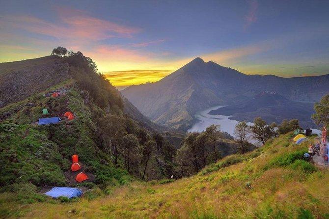Mount Rinjani Volcano Trekking 2 Days to Crater rim Senaru - Jhono Trekking